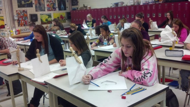 The DRAWING class working DILIGENTLY on the figure / paper drawings - YEAH!