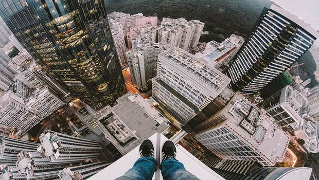 Fear of Heights: http://vkool.com/wp-content/uploads/2015/03/fear-of-heights-%E2%80%93-acrophobia.jpg